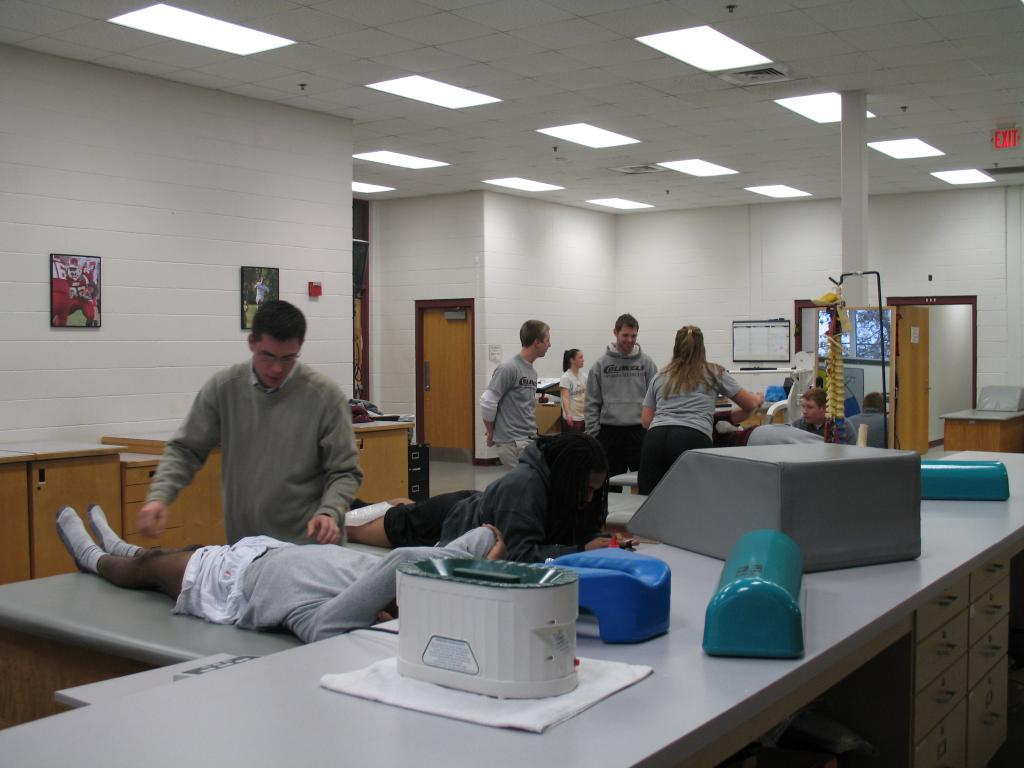 Athletic Training Room Floor Plan Athletic Training Room Pictures To Pin On Pinterest